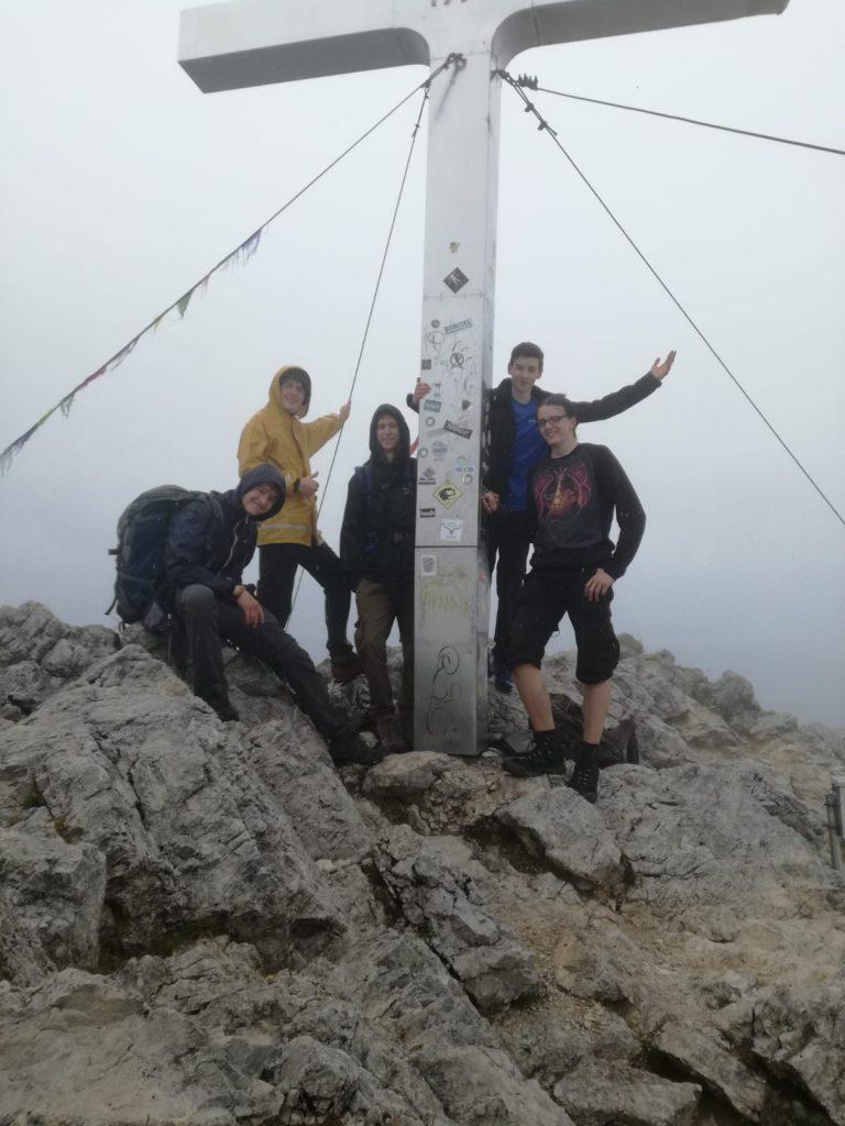Sommerwochenende Gipfelkreuz Mittagskogel